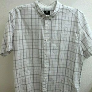 Oakley Mens Size XL Short Sleeve Button Down Shirt